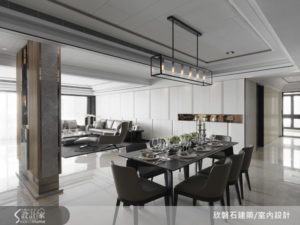 客餐區採用雙動線設計,讓具端景效果的玄關設計成為客餐廳的之間的界定,美觀而實用。鏤空部分讓光線前後穿透,明亮而晶瑩。