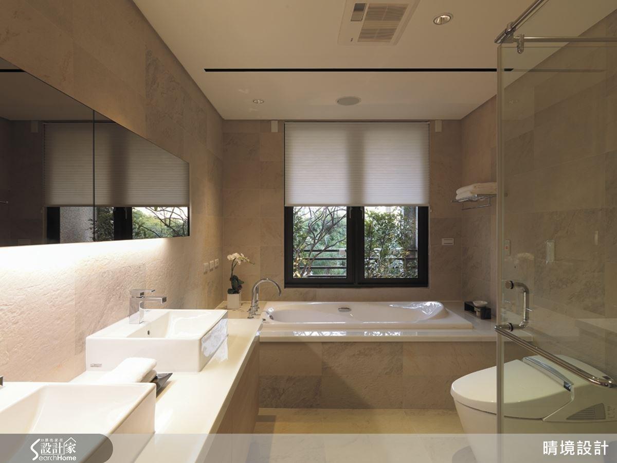 衛浴空間不但擁有飯店級 SPA 設備,更以質感穩重的石材創造出不同凡響的美感氛圍。