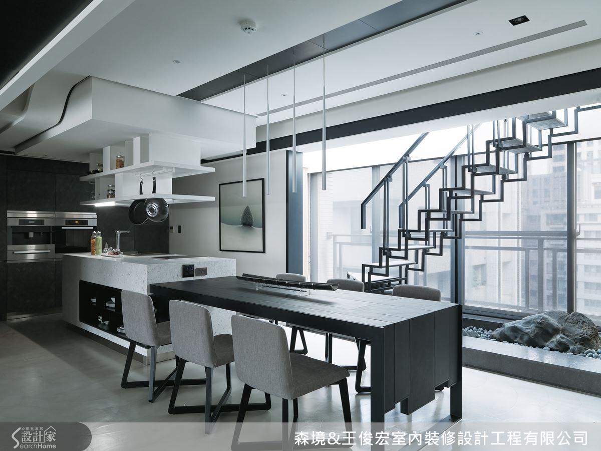 以凝聚家人情感的餐廚空間為起點,手工打造與眾不同的私宅設計。