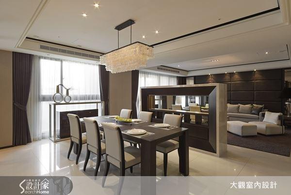 創造出帶有濃厚人文氣息質感的奢華美宅,內斂的質感韻味,烘托出頂級奢華的氣派感。