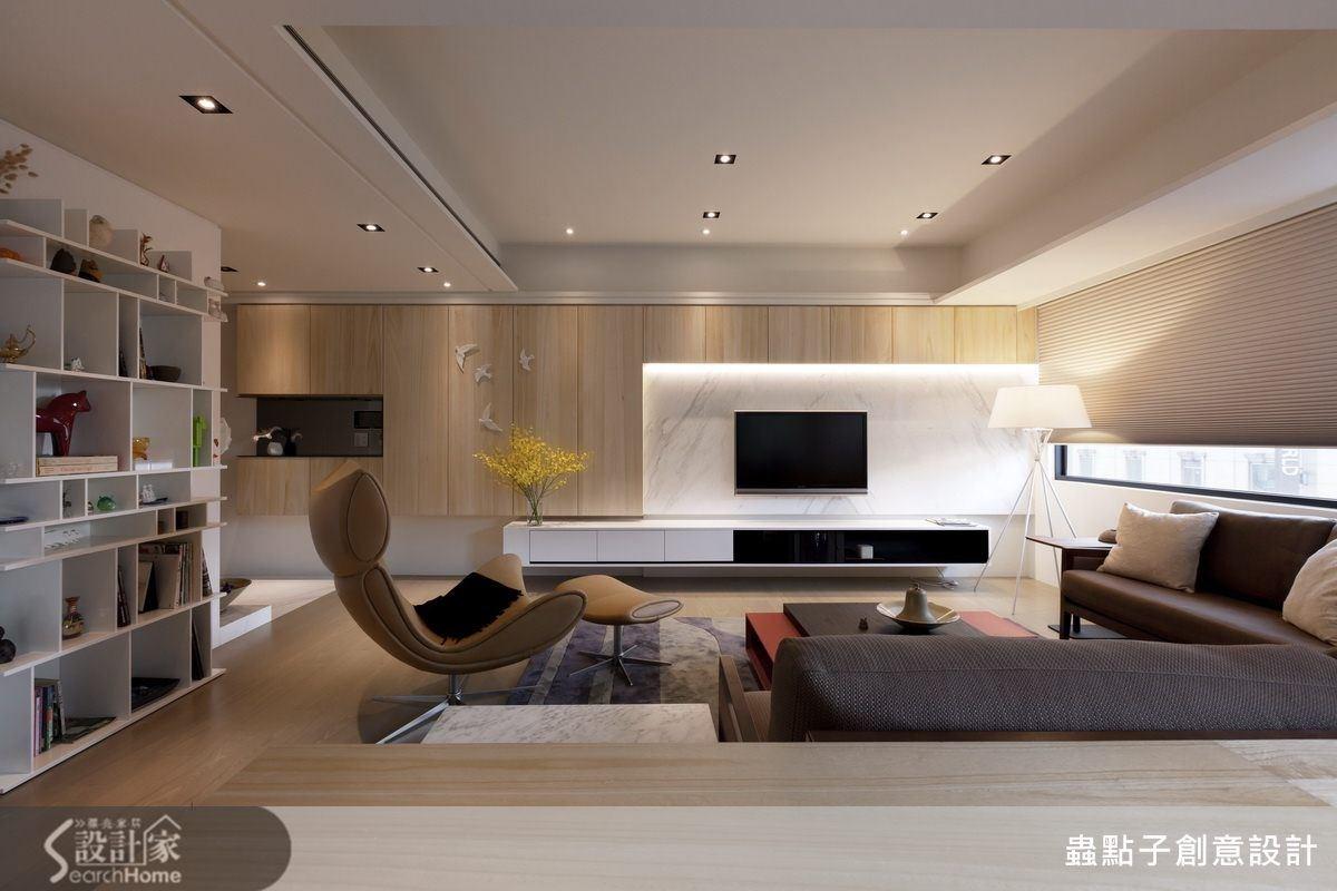 利用立燈與間接光源與自然光搭配,空間十分自然、紓壓。