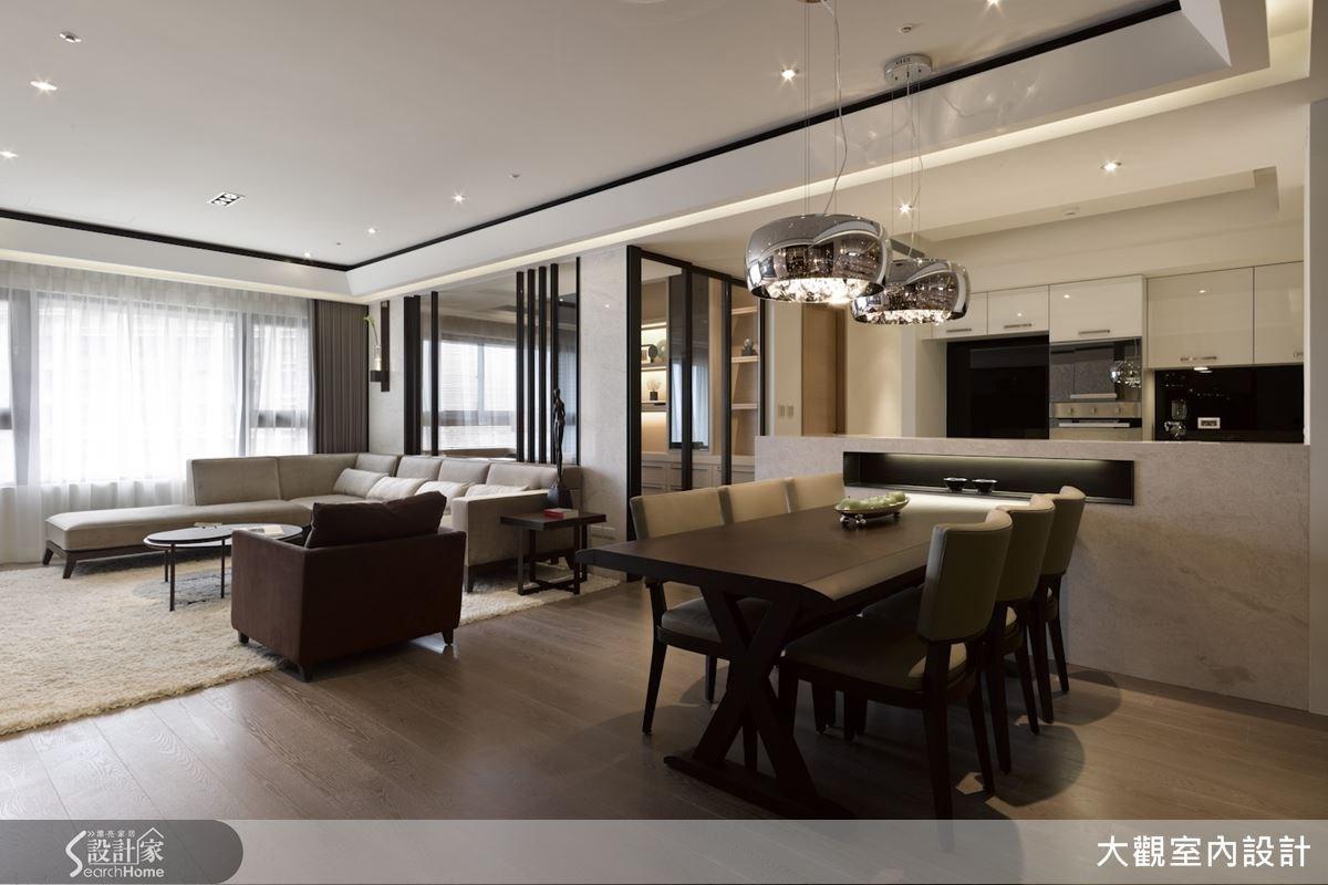 整體公共區域採取開放式手法打造而成,讓屋案本身的寬敞特質得以完整保留,也讓採光更加均勻明亮。