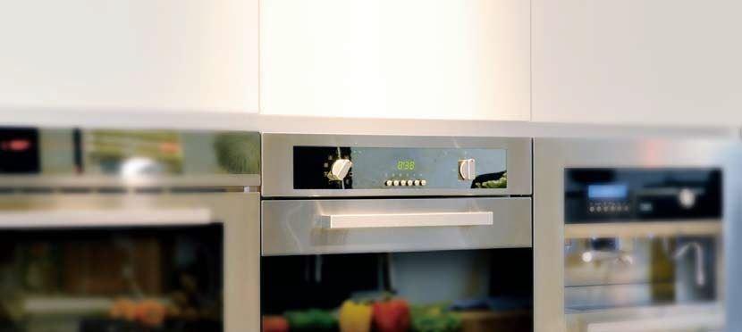 義大利廚具往往有著不鏽鋼或鏡面玻璃材質,廚電產品本身,就是一件完美的藝術品。圖片提供_世磊實業