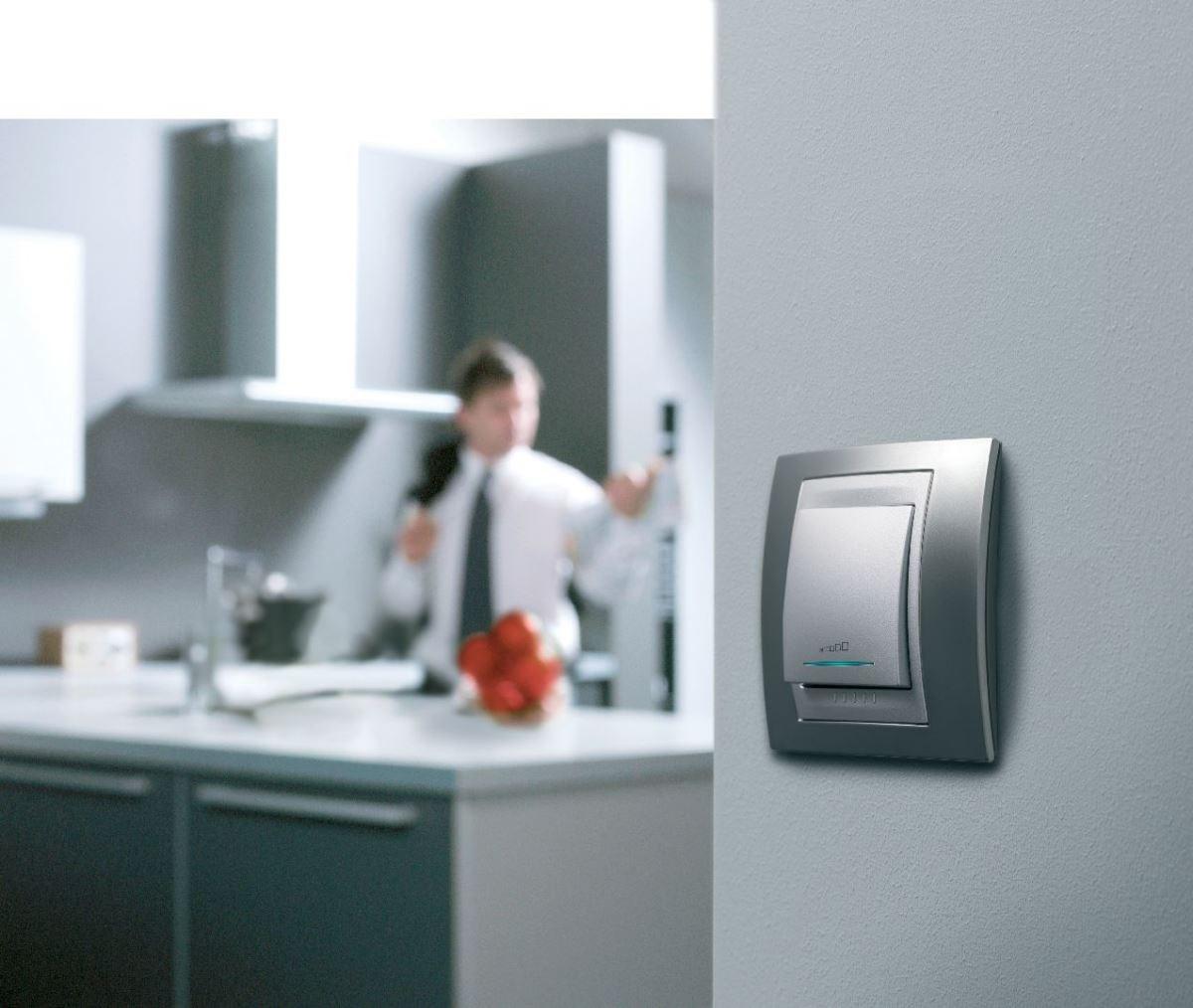 選配好的斷路器,可提高居家用電的安全性;而開關,也是人們每天視覺、觸覺皆會接觸到的東西,在配電箱與開關造型上多加留意,即可打造具美感且安全的用電生活。圖片提供_施耐德電機