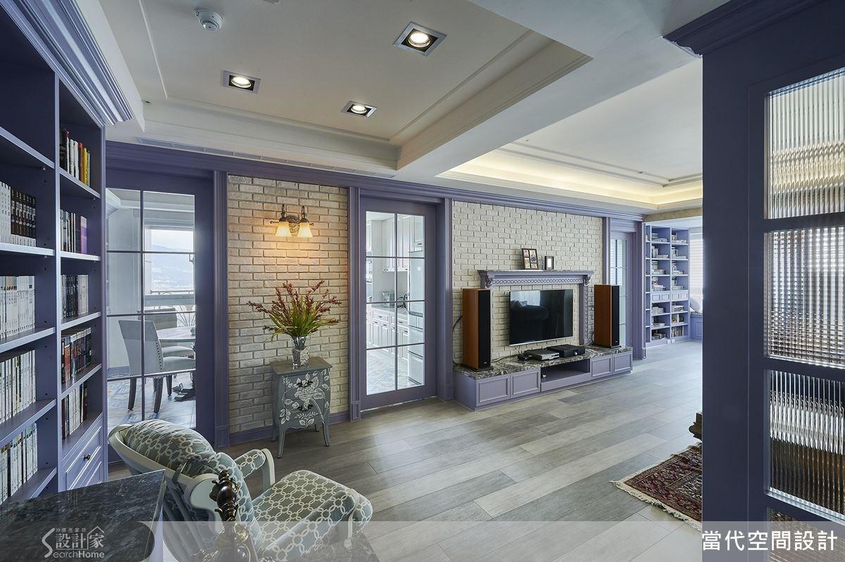 粉紫與米色在色調上都具有柔美溫和的特質,讓空間感更加舒適。