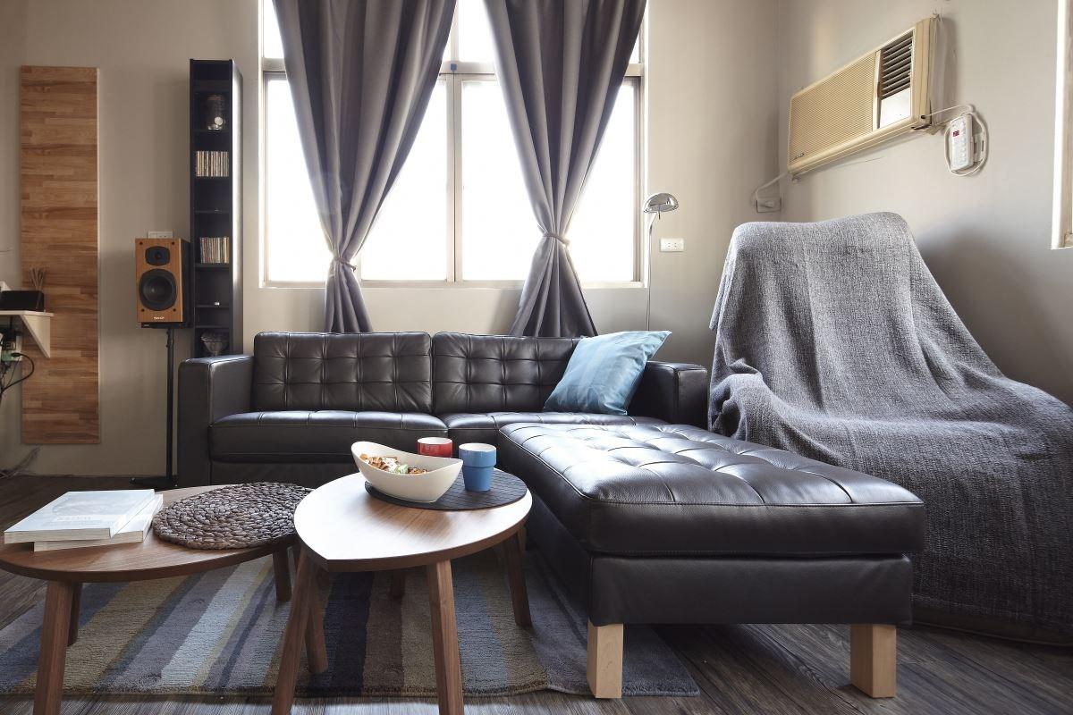型男屋主挑選了很多灰色系列的家飾品,營造都會雅痞風。圖片提供_IKEA