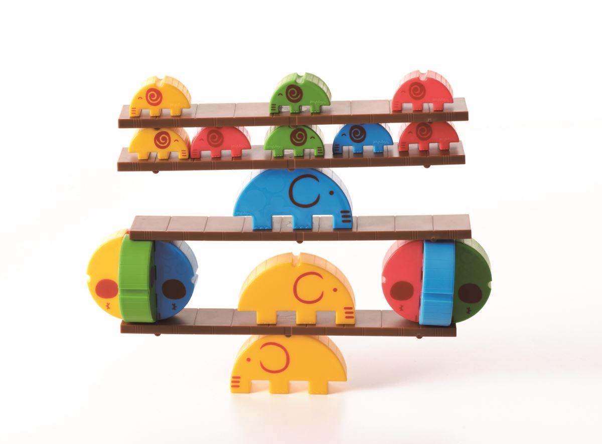 【小象馬戲團】三種尺寸小象設計,重量符合 1:2:4 的比例原則,除提供幼兒大小序列的邏輯概念外,也可作為簡易的砝碼使用。圖片提供_童心園