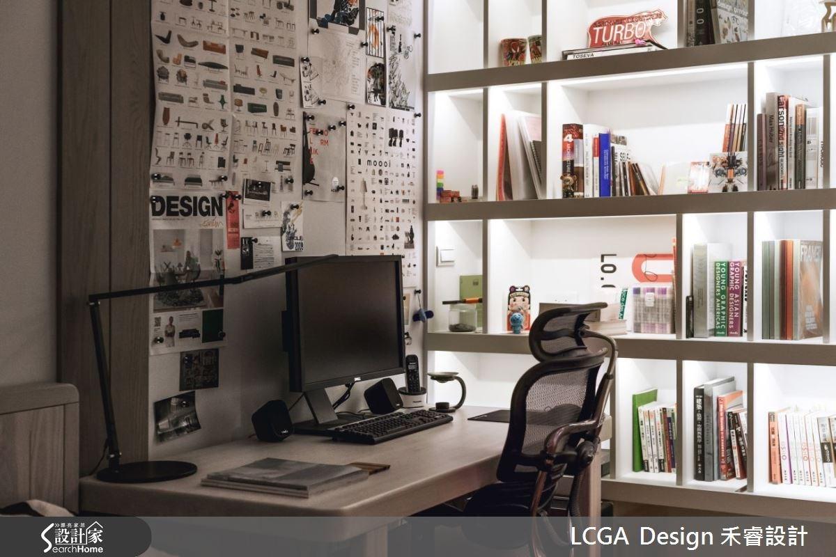 簡單的燈光設計搭配溫潤木建材,就能營造具有人文質感的氛圍。
