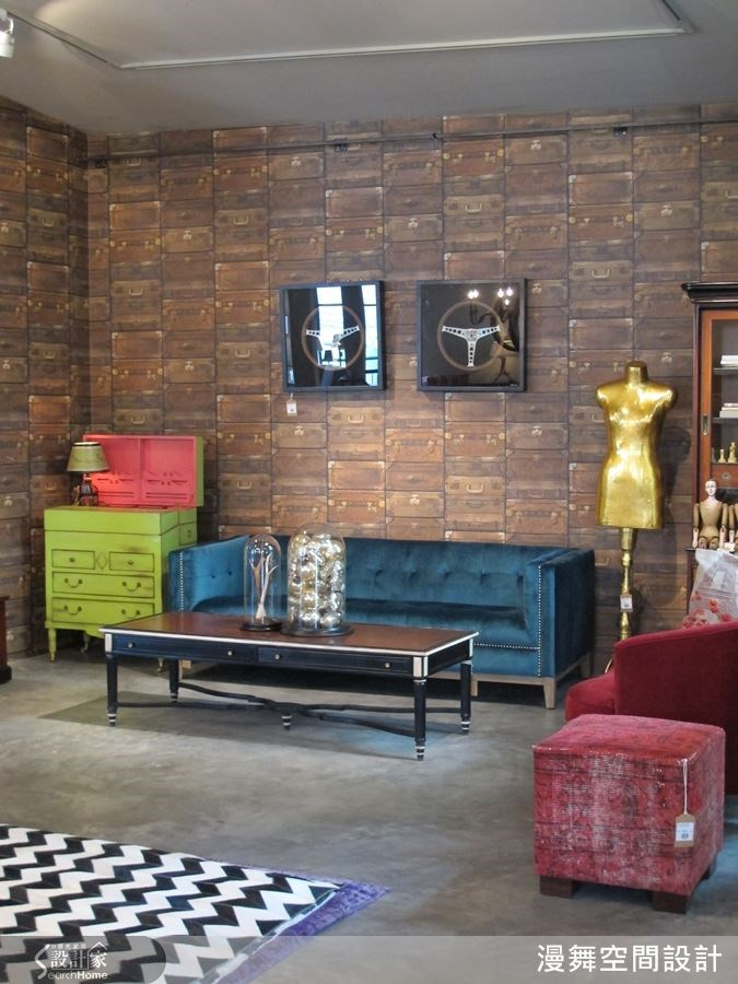在家具的配色上選用大膽而鮮豔的色彩,令人耳目一新的創意。