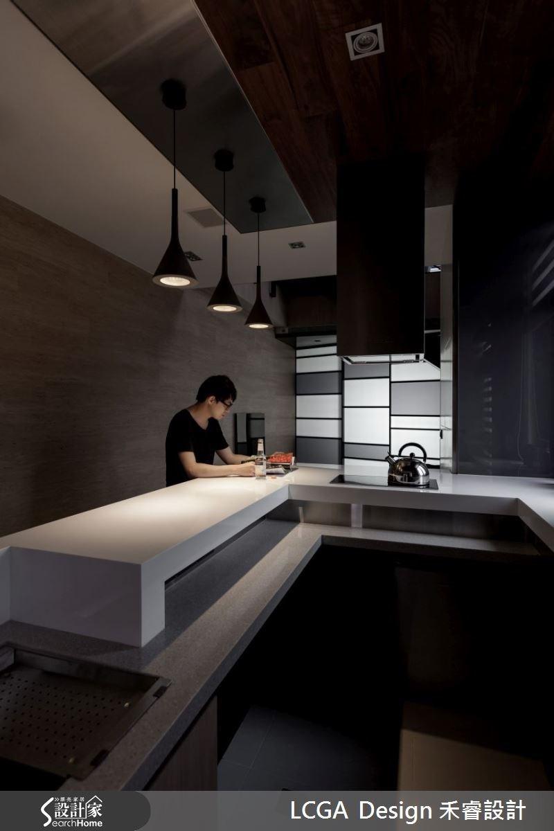 簡單的設計,溫馨的燈光設計,在家也能享受彷彿置身咖啡廳的氛圍,讓人天天賴在家!