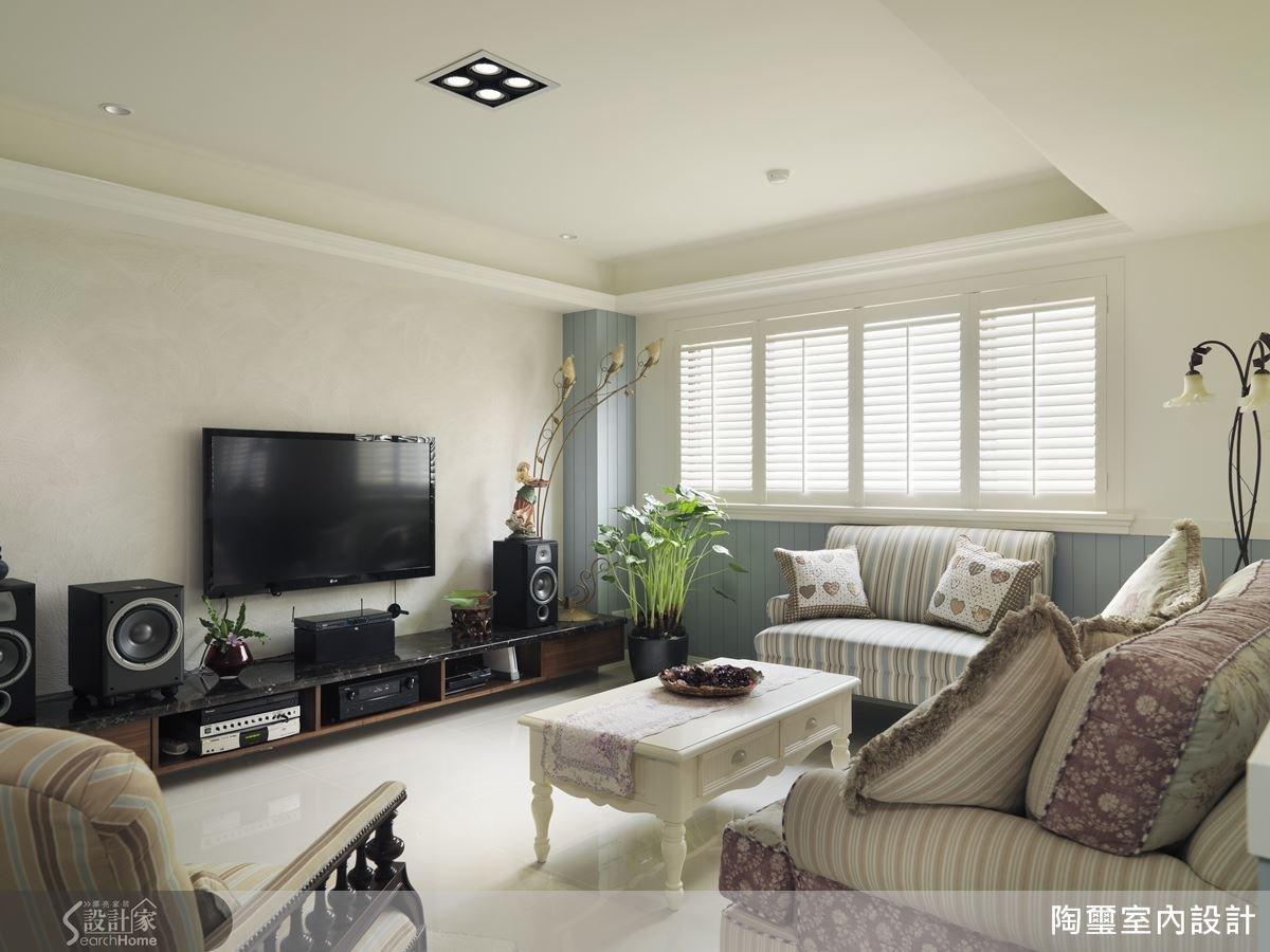 柔和的灰藍色調,為空間注入了清新舒適的美好氣息。