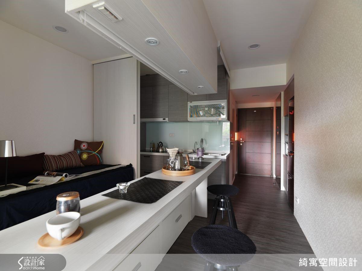 廚房位置經過調整,成功打造出完善的配備與機能。