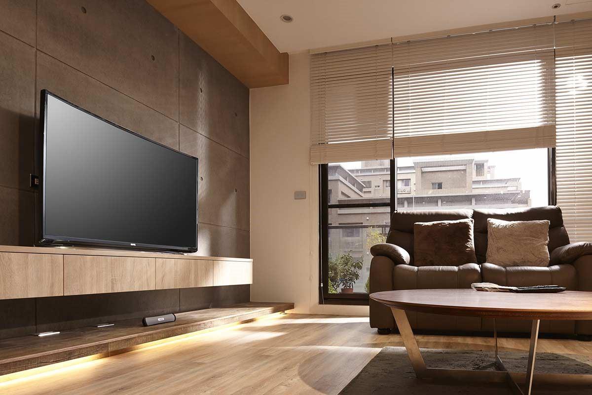 浩室空間設計邱炫達設計師挑選有弧度的 BenQ 曲面大型液晶電視 55RU6600,讓居家空間格局及動線上更不受拘束,電視擺放陳設角度也可以更多元有變化!
