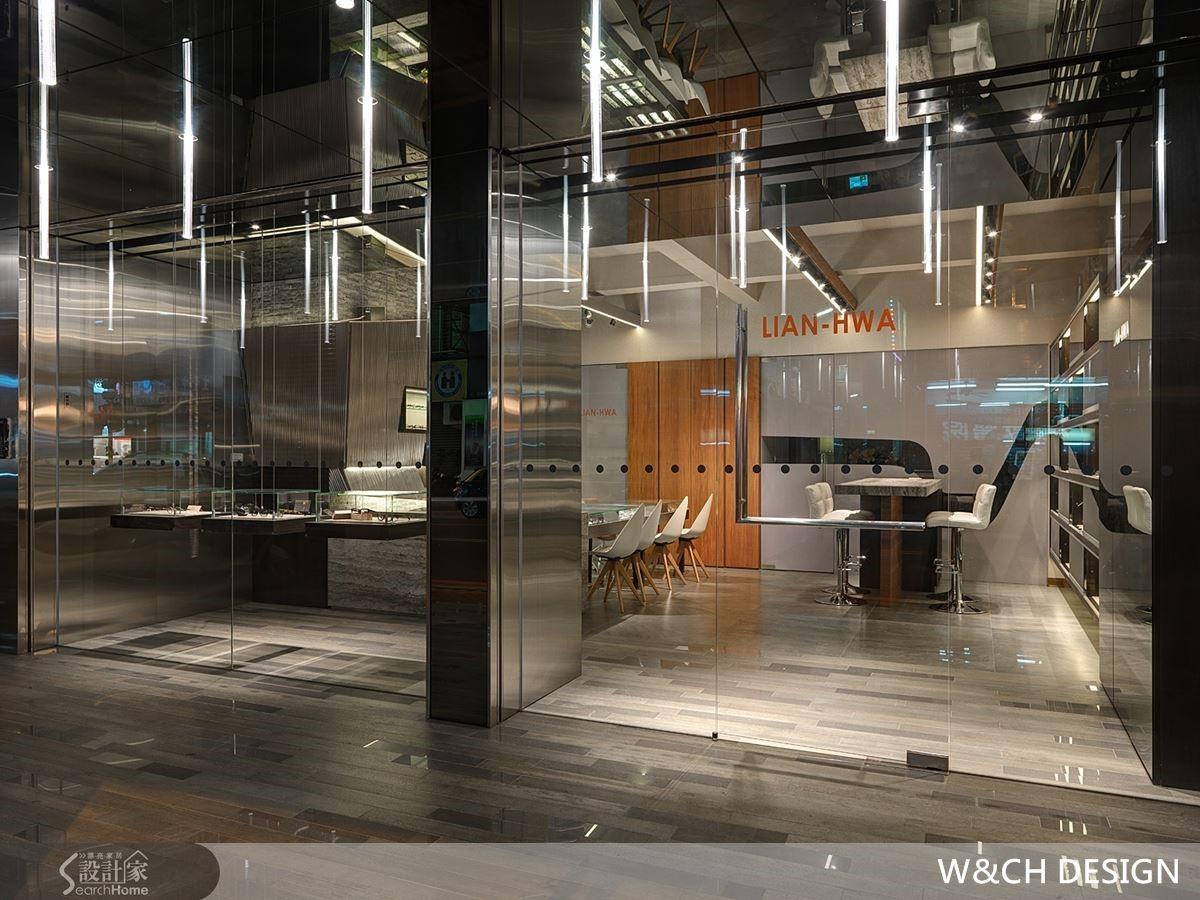 燈管以直立方式呈現,從室外一路延伸至室內,創造一致性的效果也突顯整體的設計氛圍。
