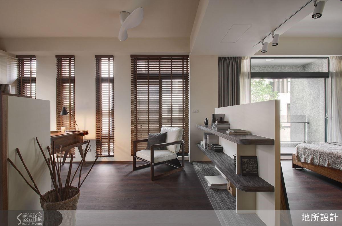 二樓空間以木材質為主,藉由光影變化產生不同韻味,增添空間質感。