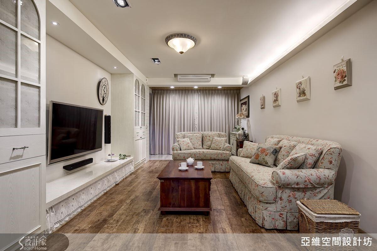 整體家具間陳設佈置全部運用以法式鄉村風格為主的訂製傢具,強調南法式的陽光魅力與悠閒自在的體現。