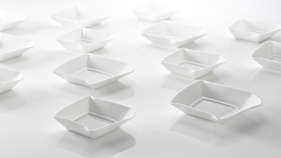 【品碟】設計從自漢字文化出發,從字型和字義拆解設計.品是三個口組成的,每一「口」代表著盛裝醬料的碟子,不同的佐料帶出不同食物的風味,如同化學變化般,產生絕妙的完美組合,進而實現「品」的意含.圖片提供_玩美文創