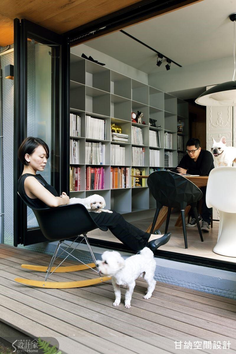 天氣晴朗的日子裡,林仕杰、陳婷亮喜歡搬張小搖椅到簷廊下乘涼,自在談天。