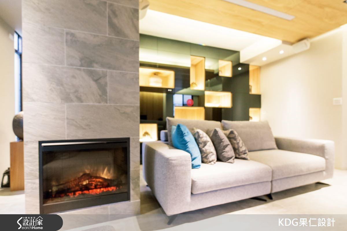 為了營造出國外度假別墅的休閒氛圍,不用過多的裝飾裝修,在建材的選用上需要特別注意,多選用自然溫潤的材質,在顏色的使用上,以一般居家空間較少運用的灰色為牆壁與天花板主要色彩,利用灰色系無色無相的特色,讓空間安靜低調質樸而帶著溫潤感。