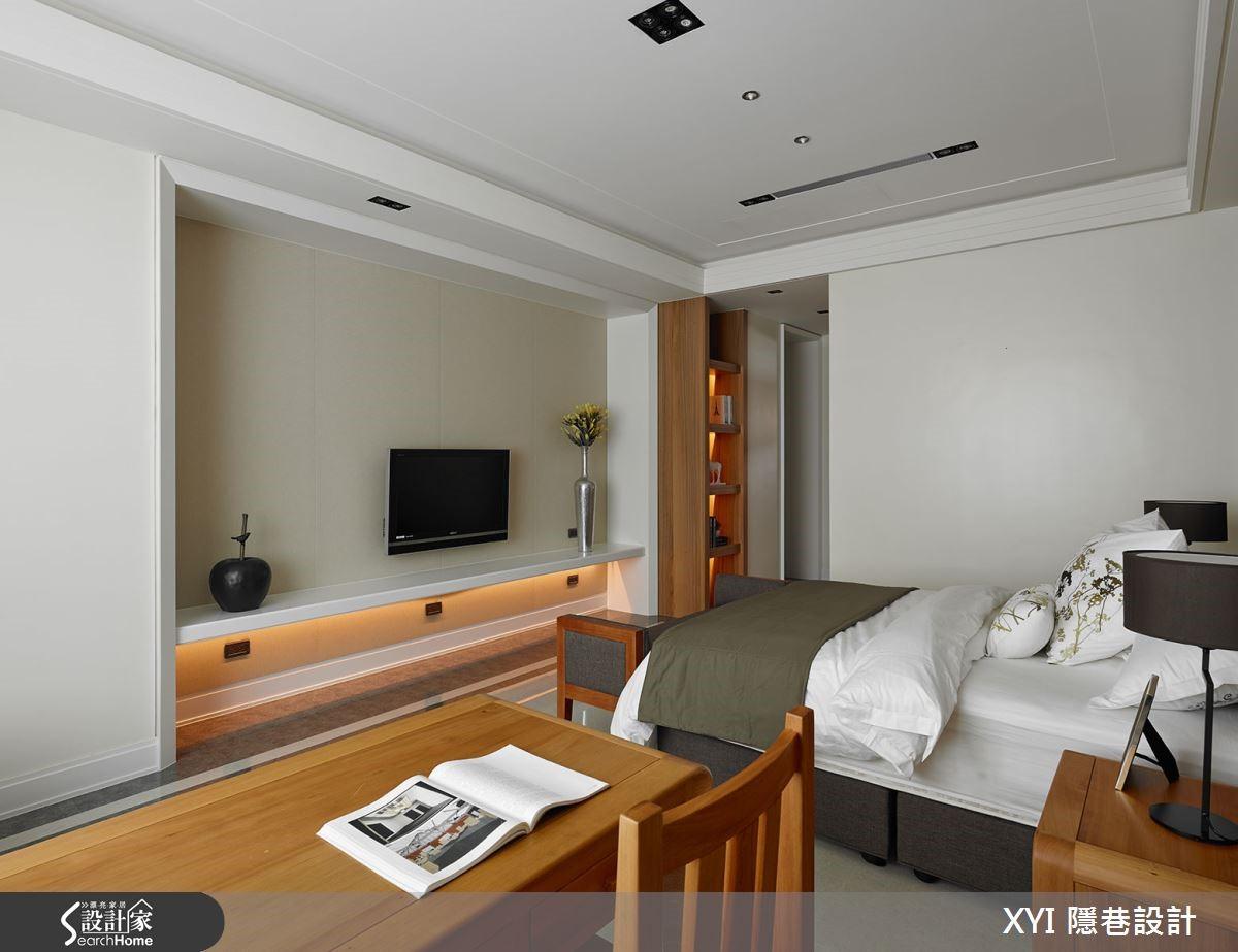 主臥房使用台灣檜木材質讓香味滿溢。
