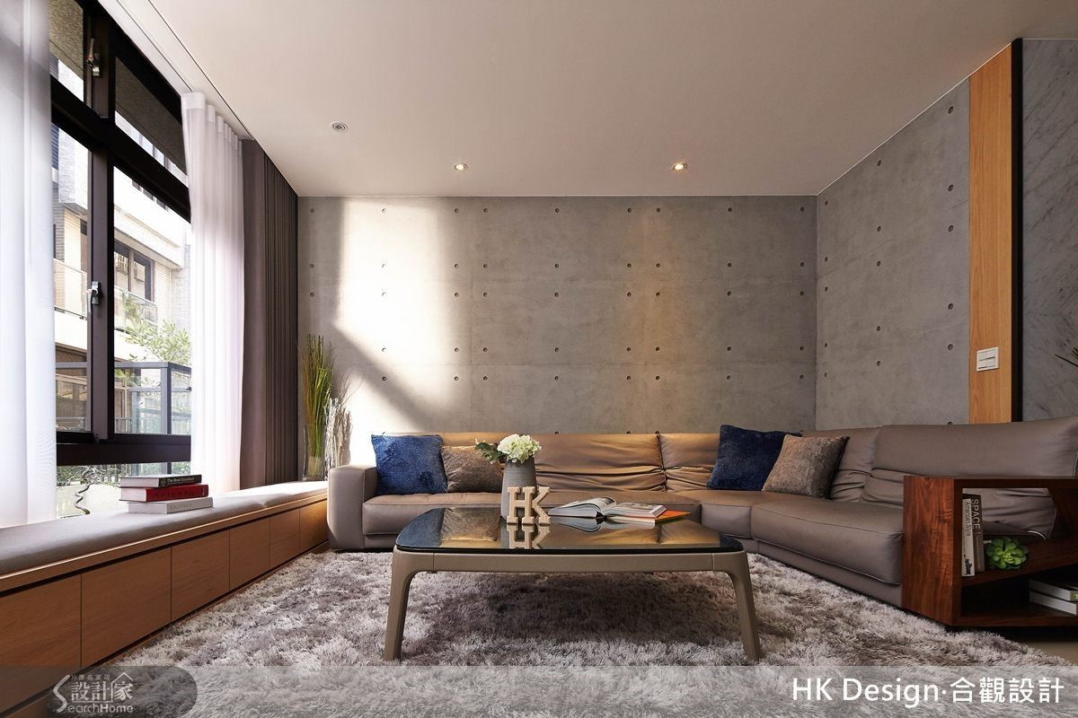 退休宅強調寬敞空間、流暢動線度,呈現俐落的天地壁線條。