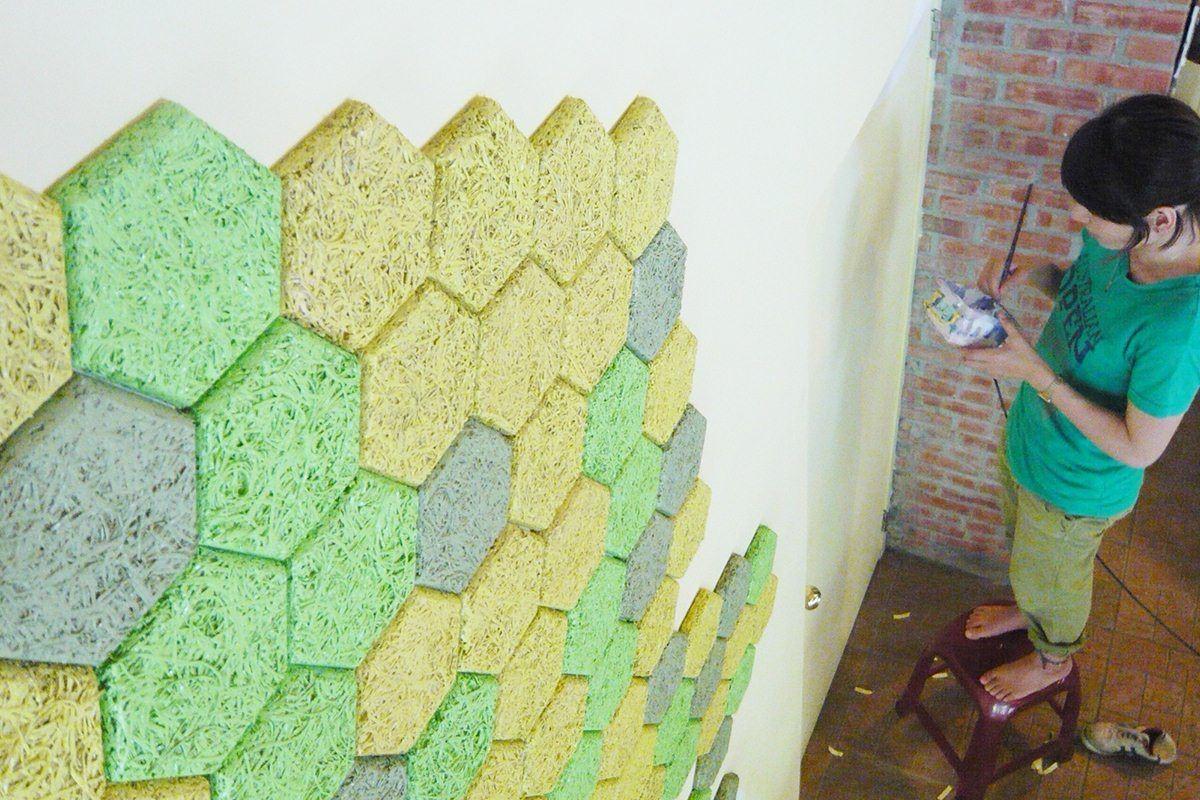 隨興配色:大地色的色塊組合出協調的牆面表情