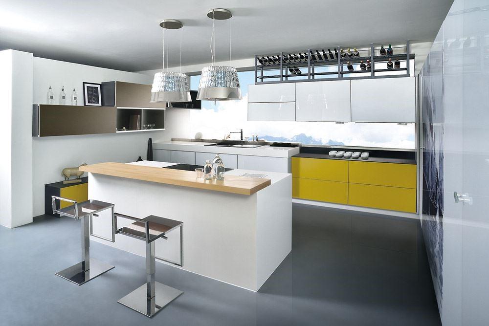 顛覆長期以來以白色為基調的廚具設計趨勢,透過專業色彩規劃,大膽跳色,不論是鮮豔的橘色,明亮的黃色,透過輕隔櫃與把手跳色的活潑設計,為廚房注入充沛的活力與朝氣。