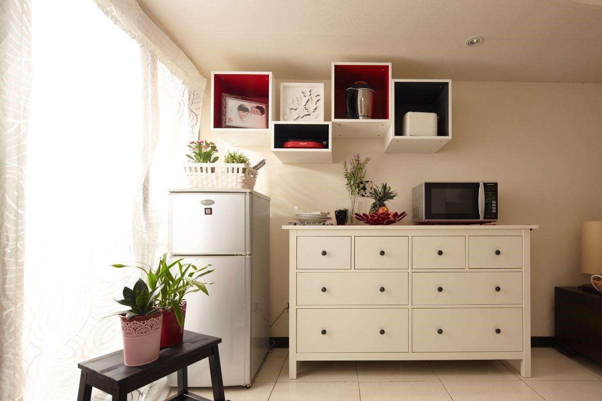 選擇個性化搭配的櫃體,將物品完整歸位,回歸空間中的俐落感。 攝影_黃暉中