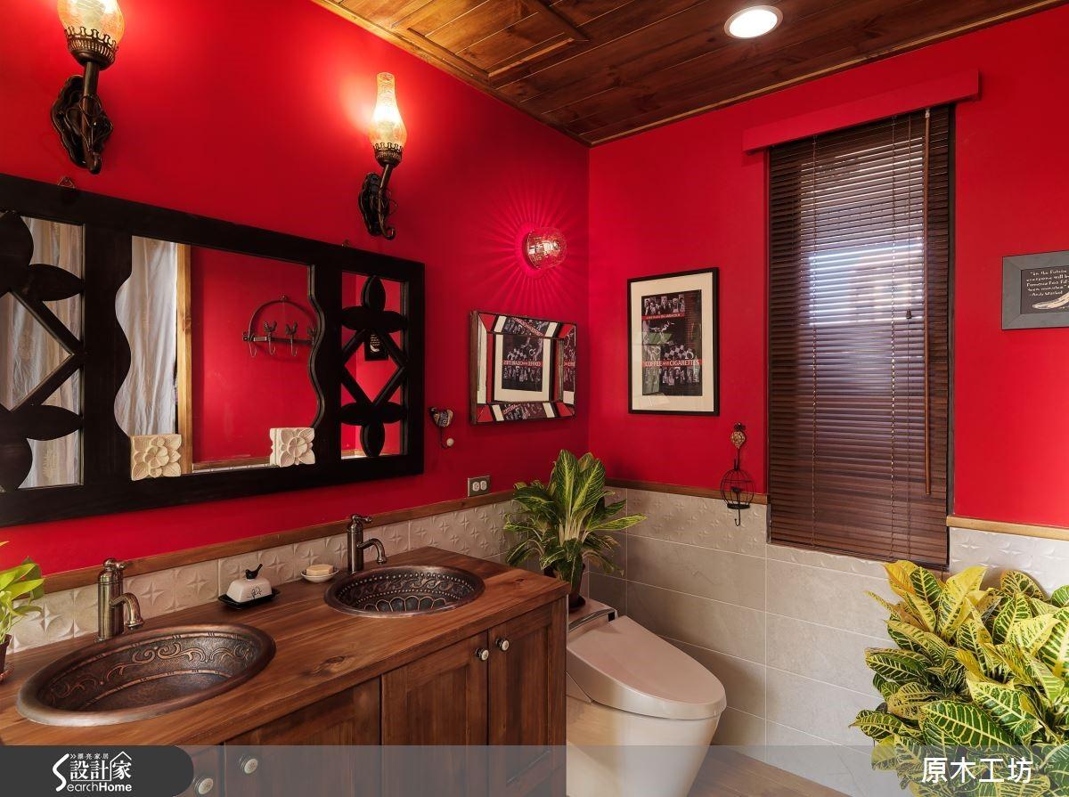 訂製木家具、利用異素材和木家具結合,在門片設計彰顯特色。
