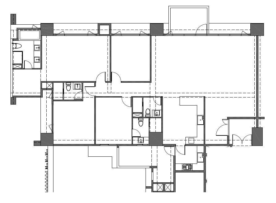 公共區域雖寬敞但無層次感,廚房牆面過長亦造成視野被遮蔽浪費。
