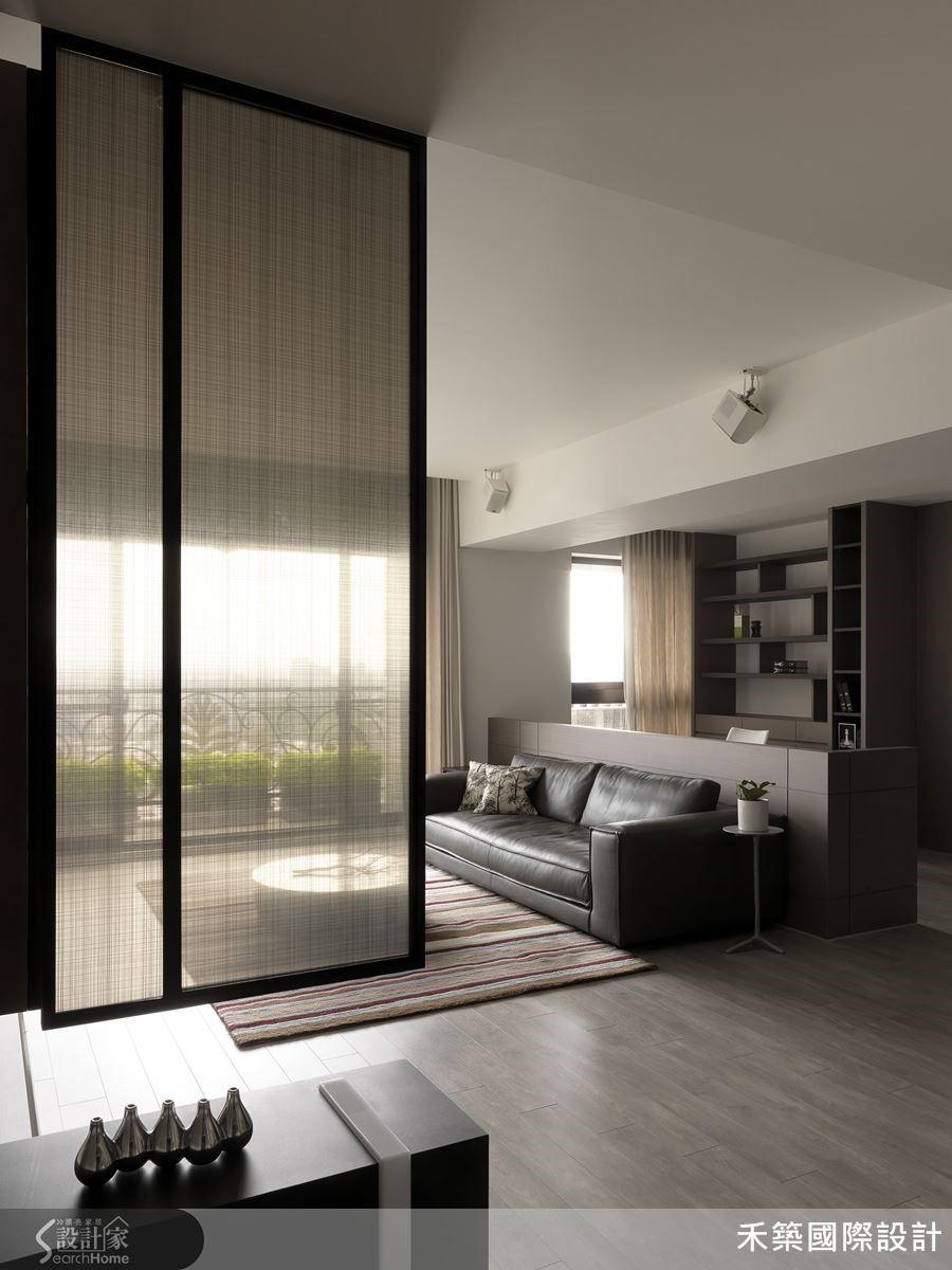 以穿透感十足的格局配置,結合俐落的現代語彙,打造紓壓放鬆的生活空間。