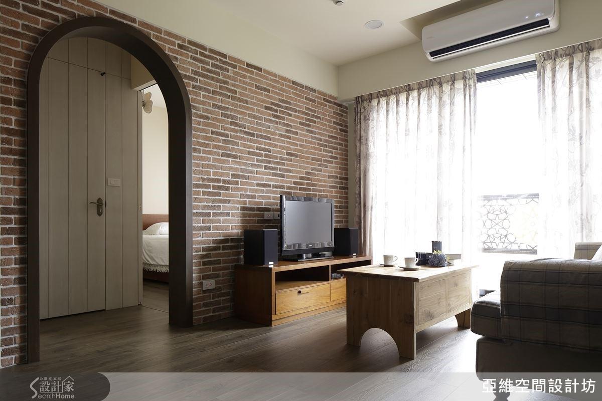 整體家具間陳設佈置全部運用以法式鄉村風格為主的訂製家具,強調南法式的陽光魅力與悠閒自在的體現。