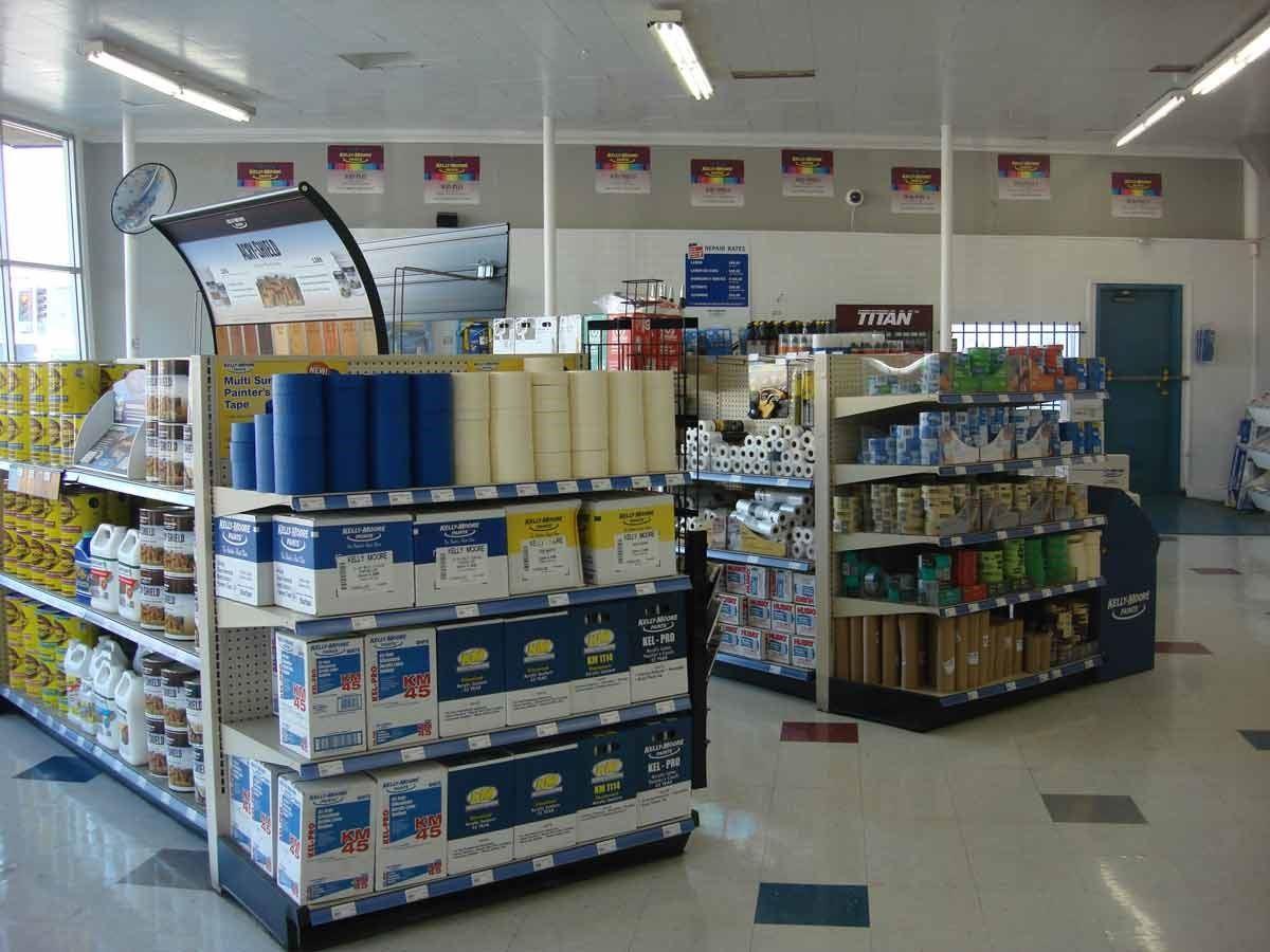 為掌握品質與專業度,全美 168 家 Kelly Moore 乳膠漆皆為直營門市。