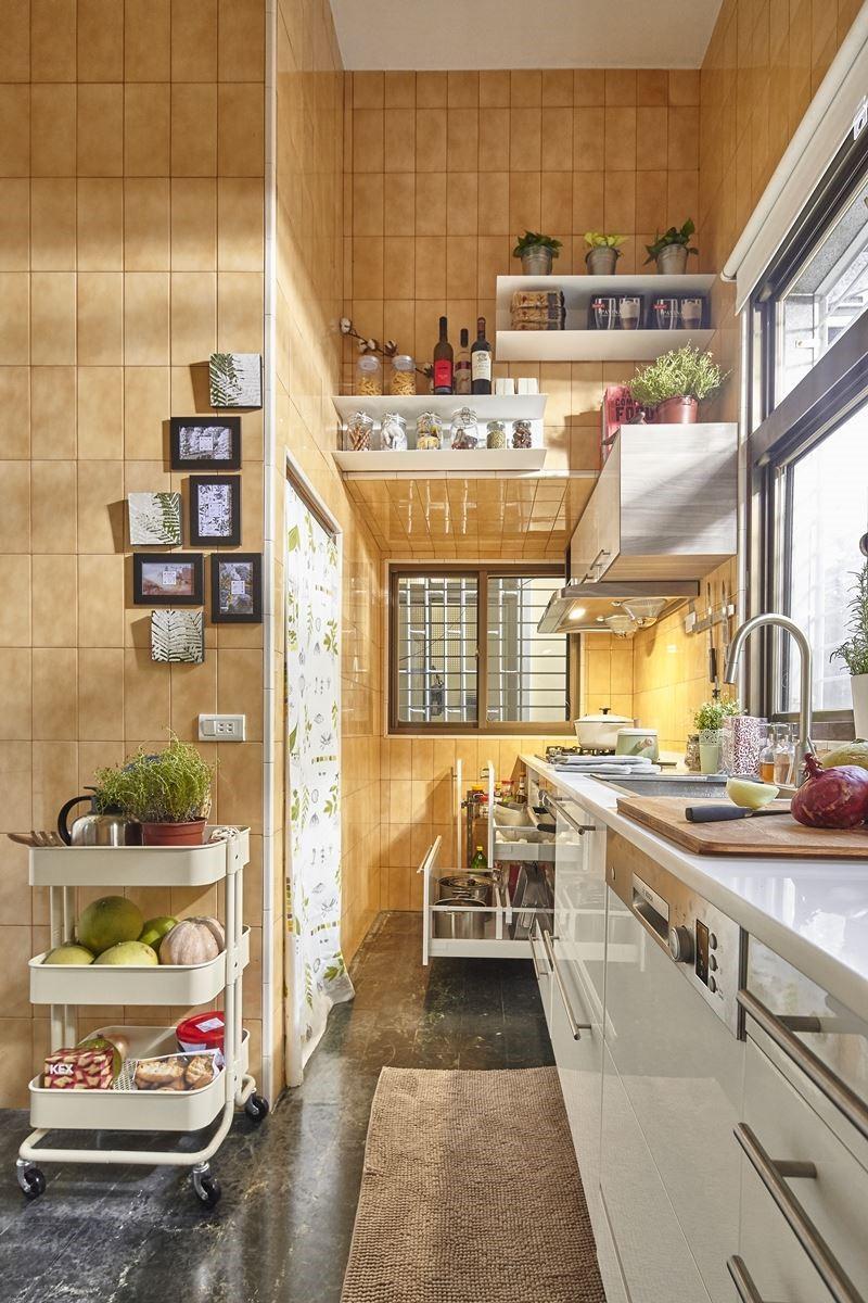 ▲運用家具櫃體:BREDSKÄR 單水槽NT.$9,640元、BOTKYRKA 掛牆式層架NT.$995元。