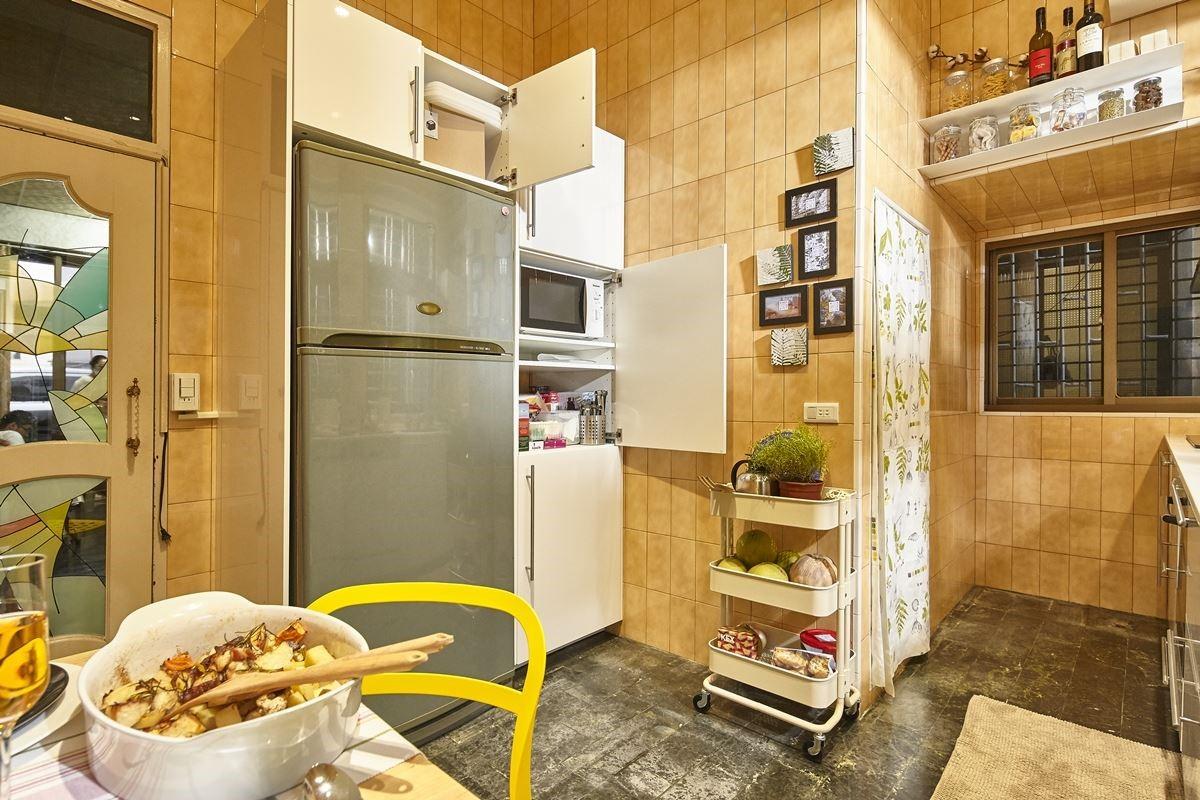 運用家具櫃體:METOD 廚櫃組合、UTRUSTA 抽屜面板。