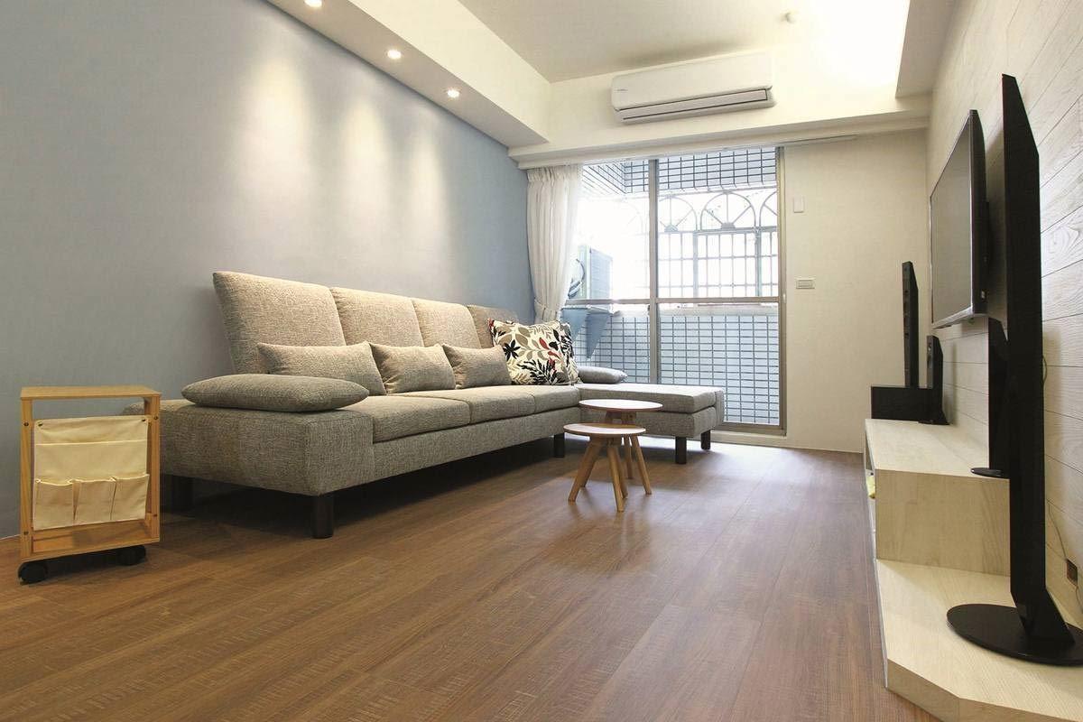 不同於一般沙發的厚重印象,水泱泱系列講求細緻質感,最適合追求精品生活品味的居住者。水泱泱沙發 3L 組合/W300 x D182 x H96cm/標準價格:65,000 元