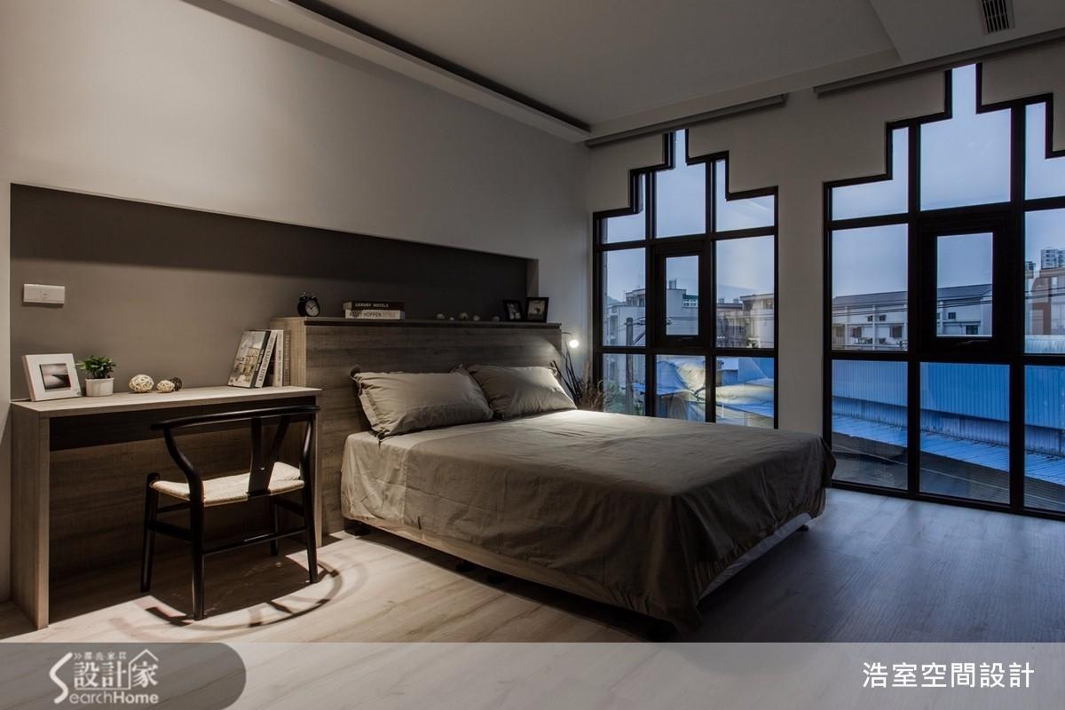 地中海風:特殊的「城堡窗型」,富有地中海建築特色,雜揉了北非、中東與南歐的特殊風味,當光線透過窗櫺,更營造線條錯綜的光影美學。