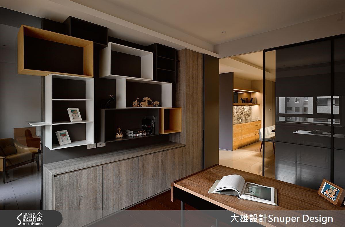 書房則以時尚的幾何造型及鮮豔的色塊作為立面的設計,不僅成為視覺焦點,也增加實用機能。