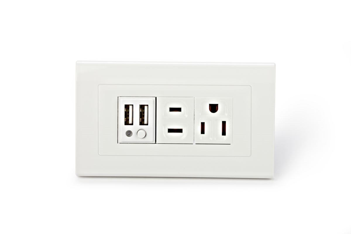 先進的 USB 充電插座適用 110V 或 220V 電壓,獲得多項國際安規認證。