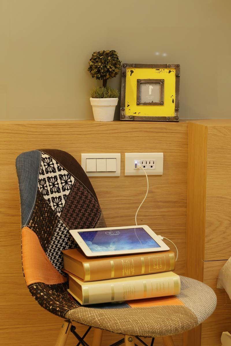 VERTEK 埋入式 USB 充電插座採用隱藏式美型設計,可以搭配各類空間設計。