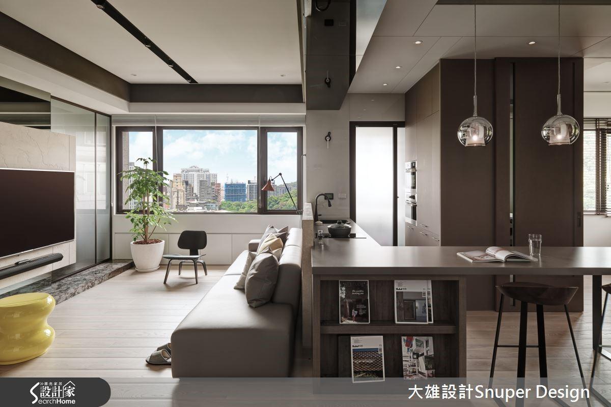 因應屋主不常在家開伙的生活習慣,以開方式L型吧檯,結合餐桌,讓空間更開放舒適。