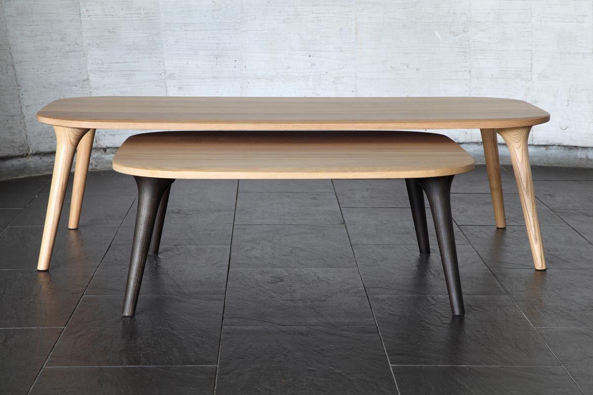 COSY 大小茶几簡約的四角圓弧造型下,是上粗下細的喇叭型桌腳,強調細節的設計感,低調中自有非凡的質感。