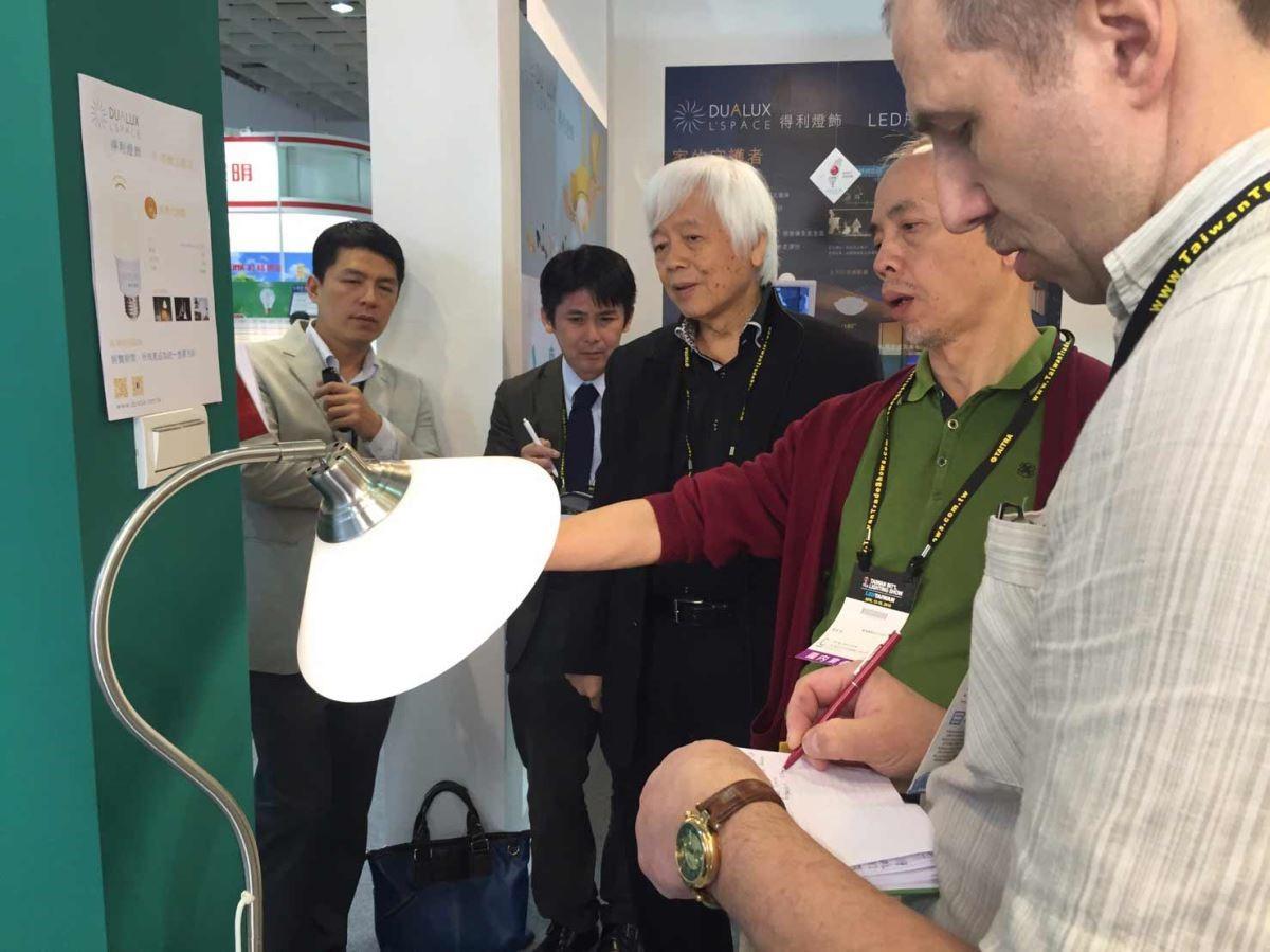 以台灣自創品牌,產品擁有數百項多國專利,30年來行銷佈局美中歐各地,讓外國客戶也十分驚豔。