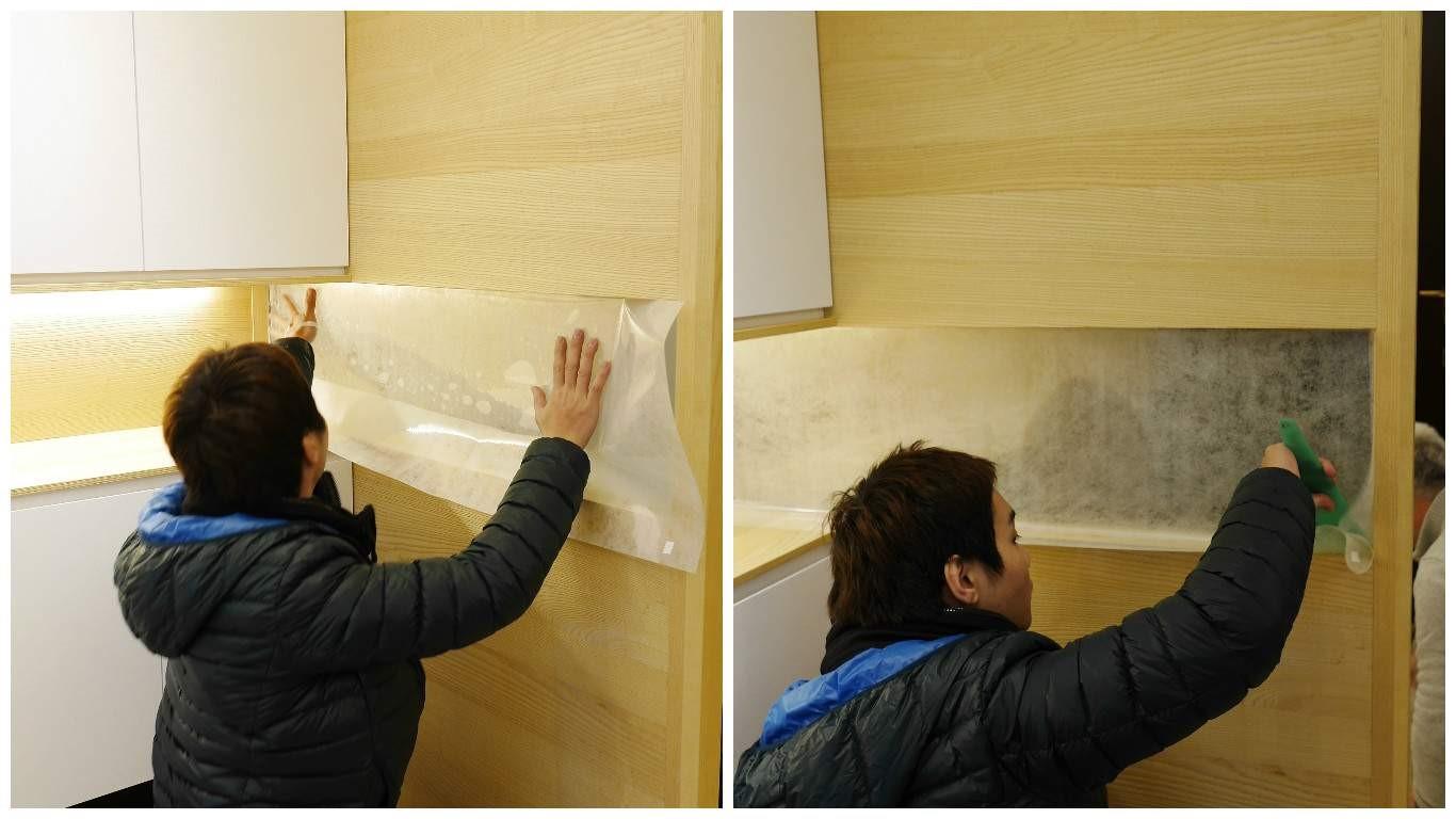 將玻璃清潔後,直接貼上窗飾紙,再用塑膠刮板把殘留氣泡向外推出,讓表面服貼。