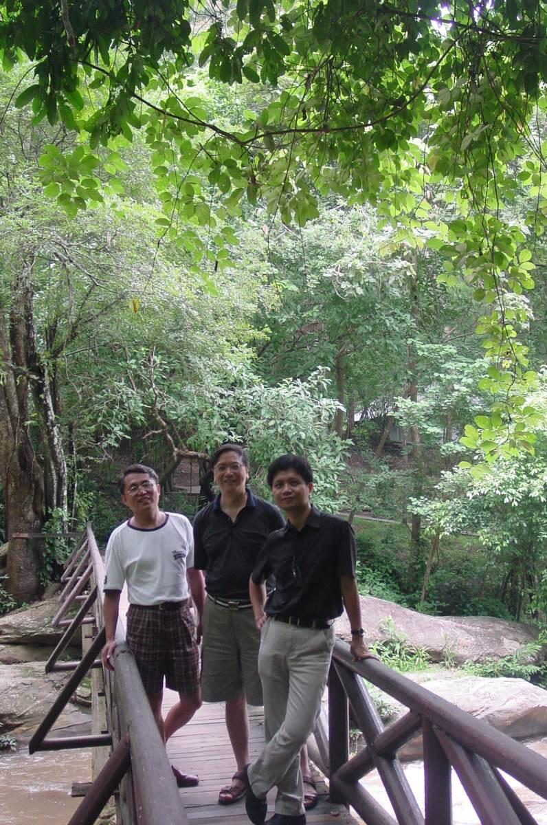 李幹才、龔天益、侯文詠(左起),是經常結伴旅遊的好友。