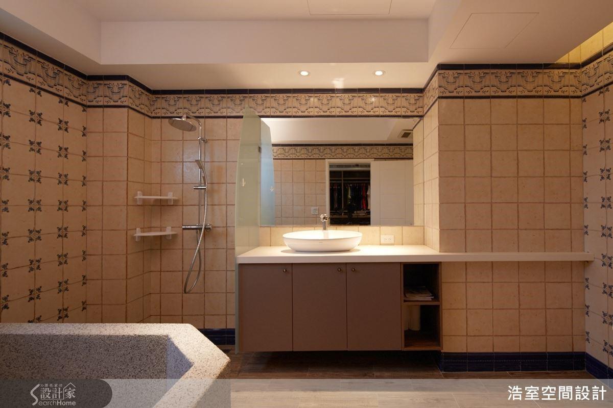 圖 07 寬敞主衛浴帶有鄉村風格。