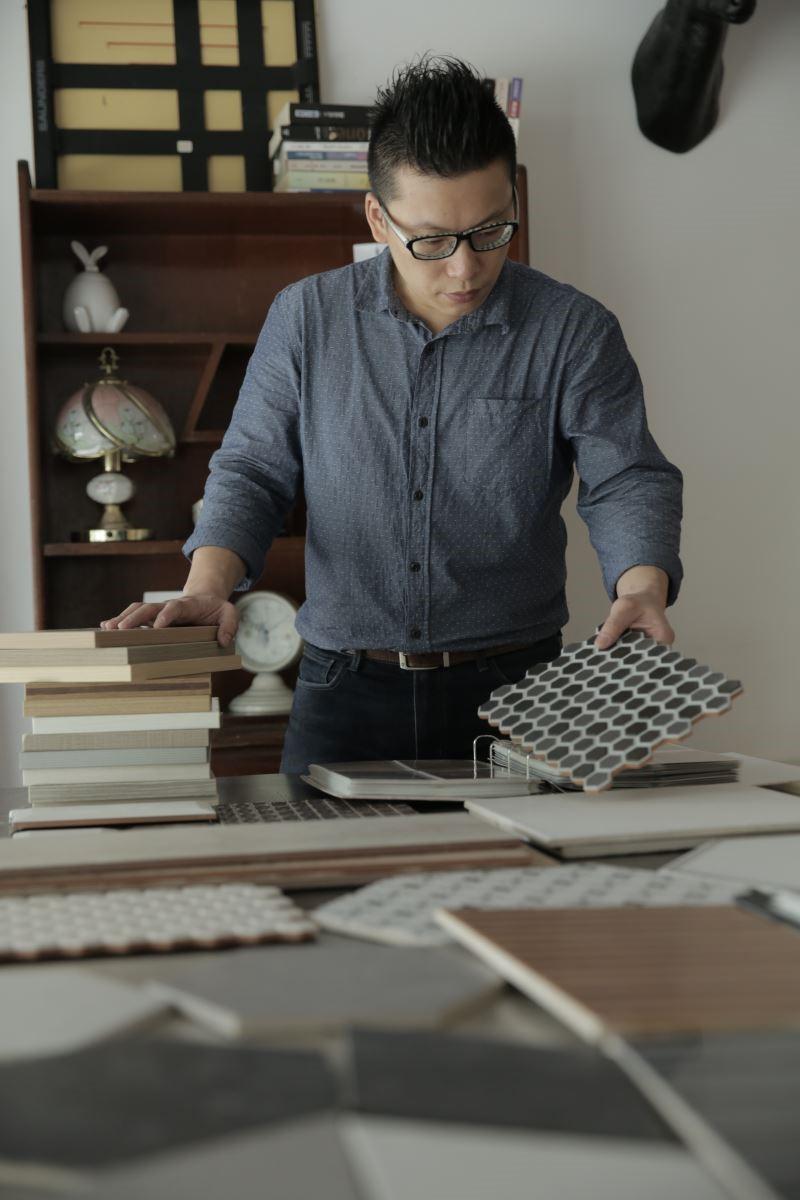 賴紹宇設計師對於環保材料的堅持與專業,為每位業主做審慎的篩選,並詳細溝通其需求,希望提供最為安全而舒適的空間。