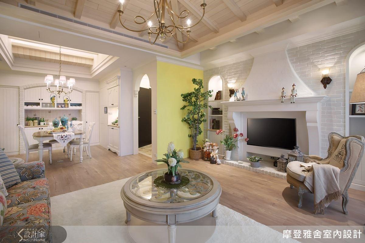 汪忠錠設計師手繪屋主夢想中的浪漫家園。