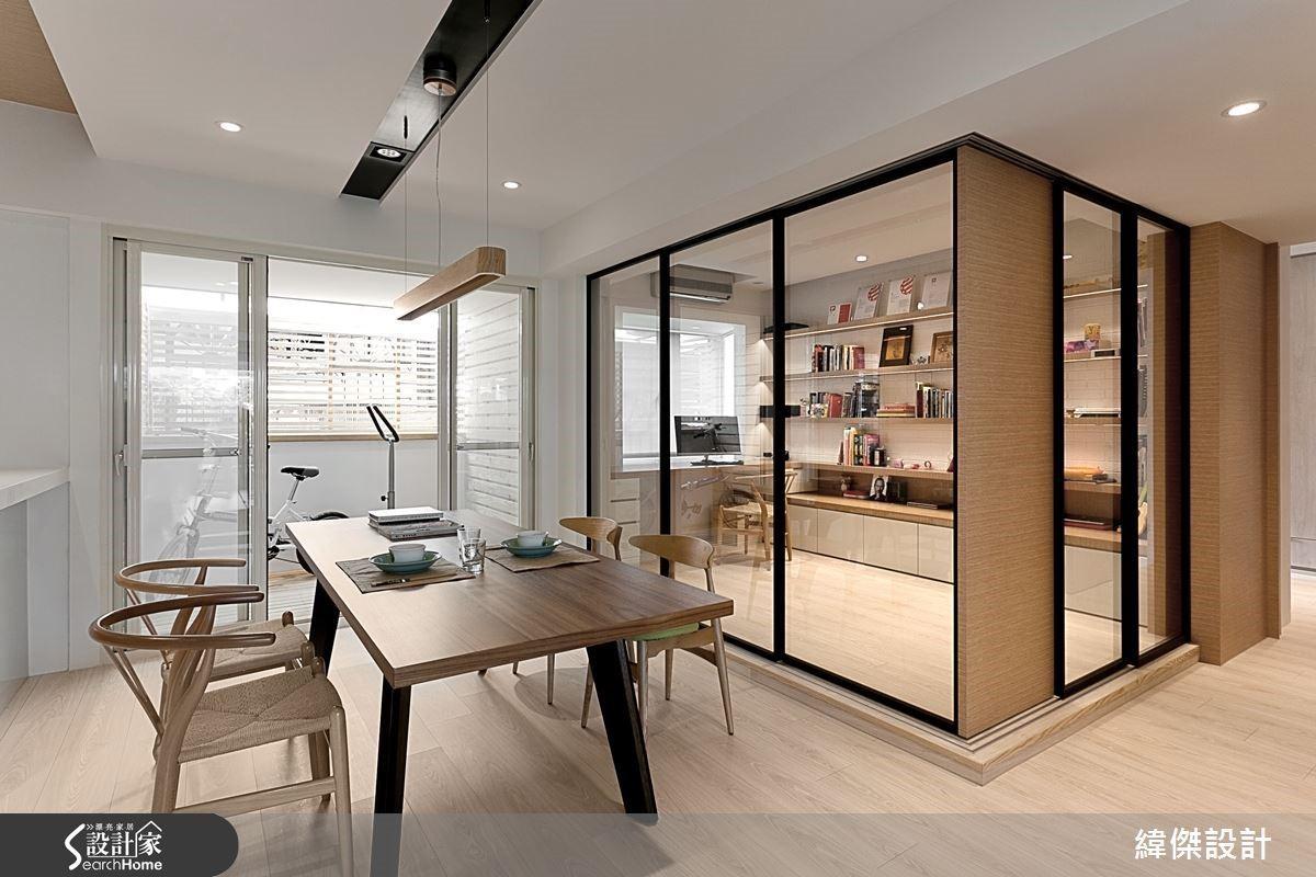 閱讀區介面隔門採用可透光的玻璃材質,使光線在不同區域之間仍有自在的串連。