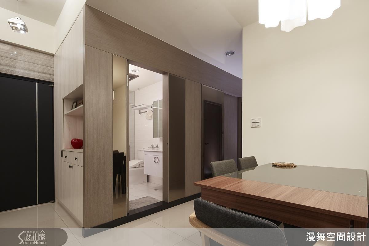 生活軸線上透過隱形門設計,維持空間完整與一致性。